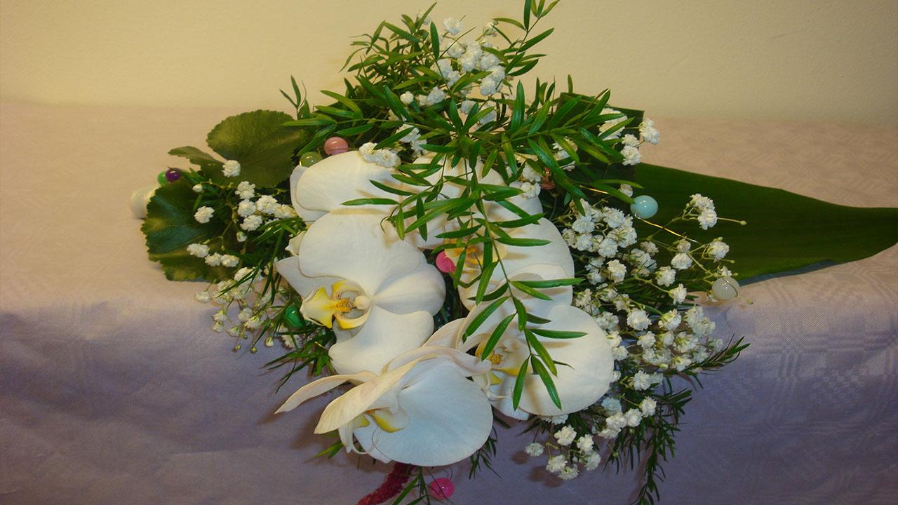 Blumen Deko Selber Machen: Liegestrauß Mit Phalaenopsis