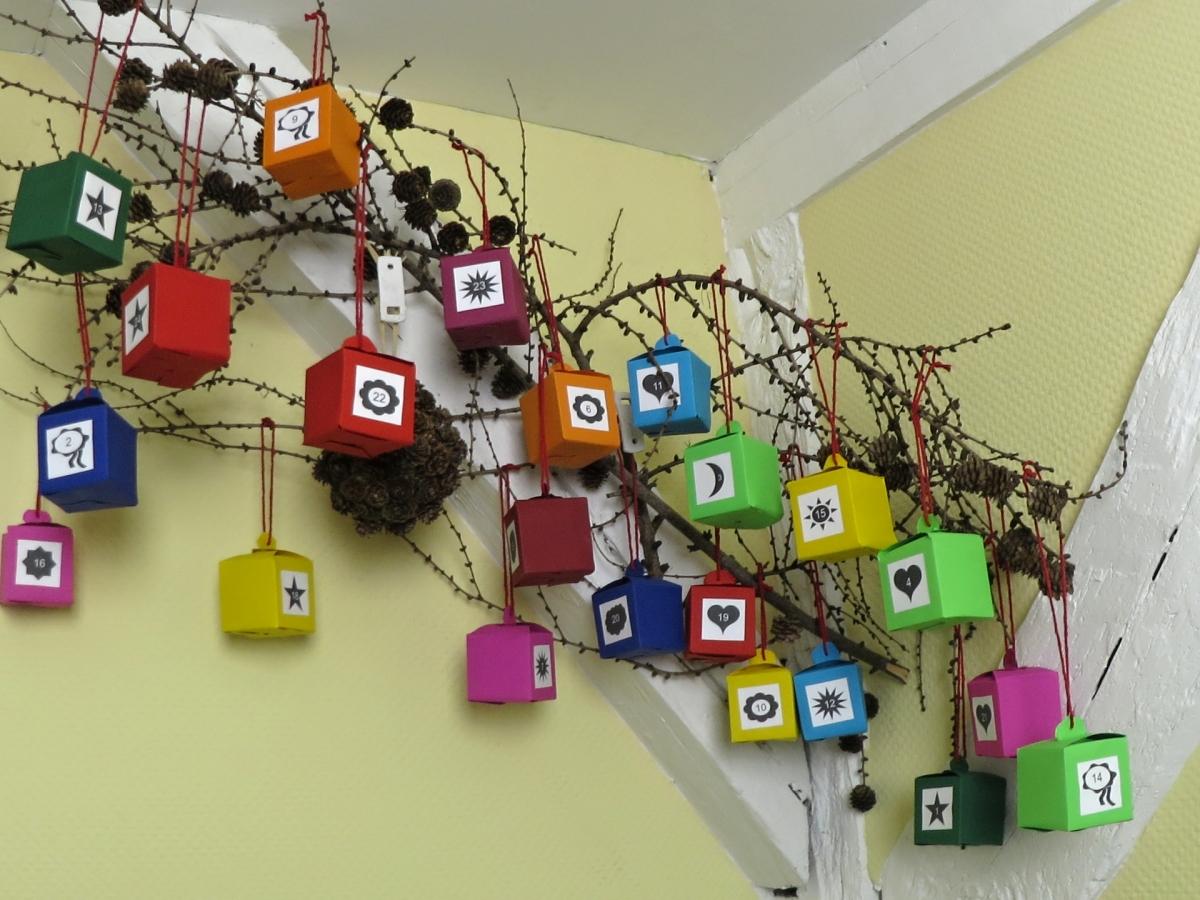 Adventskalender selber machen deko ideen mit flora shop flora - Deko zum selber basteln ...