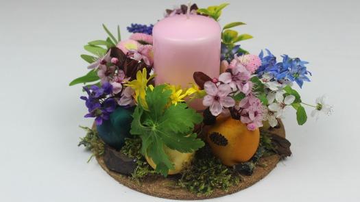 Osterdeko selber machen ❁ Tischdekoration mit Blumen ❁ Deko Ideen mit Flora-Shop.jpg