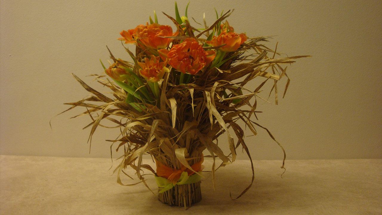 Frühlingsdeko Ideen mit Blumen und Naturmaterialien