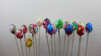 Ostereier mit Nagellack dekorieren