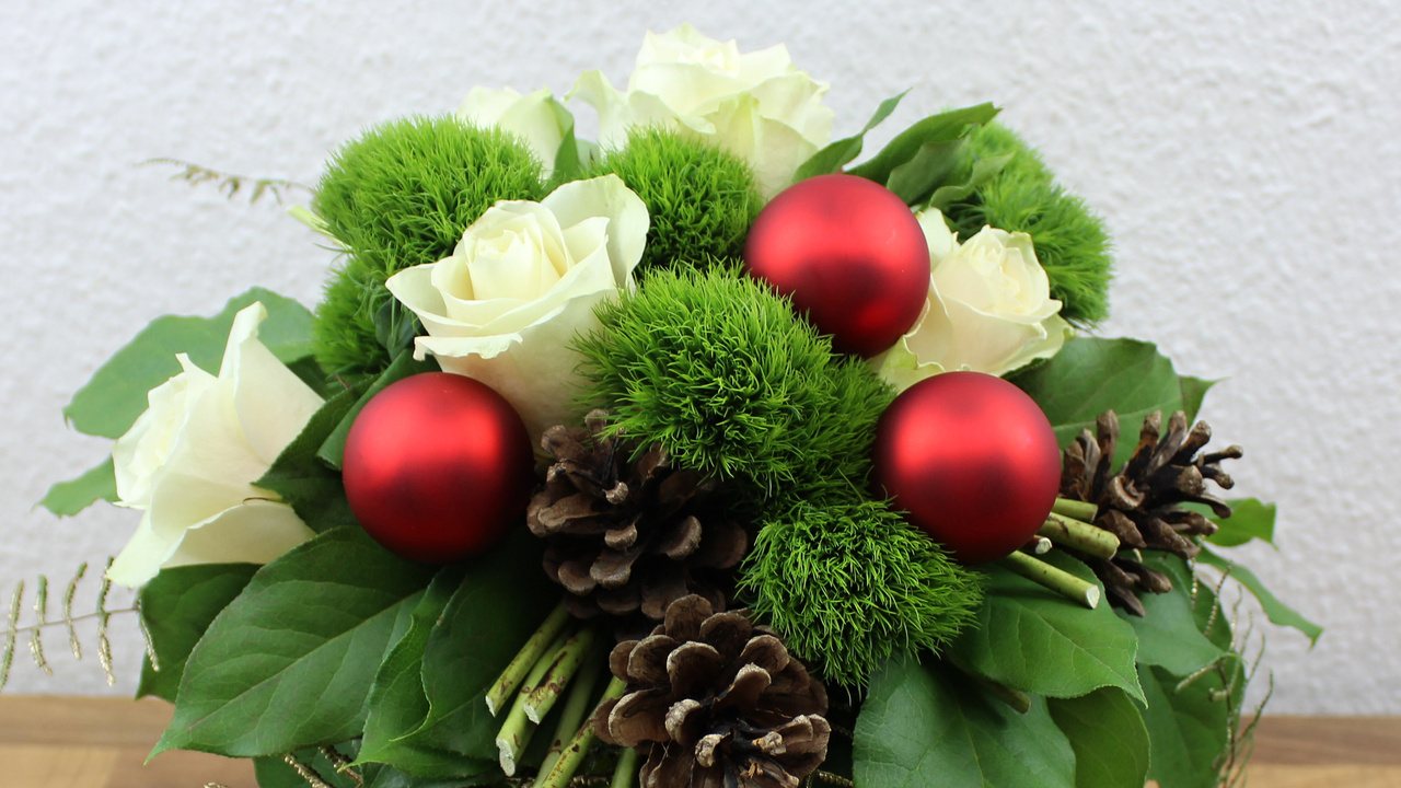 Adventsstrauß Weihnachtsstrauß selber binden – Floristik Anleitung ❁ Deko Ideen mit Flora-Shop