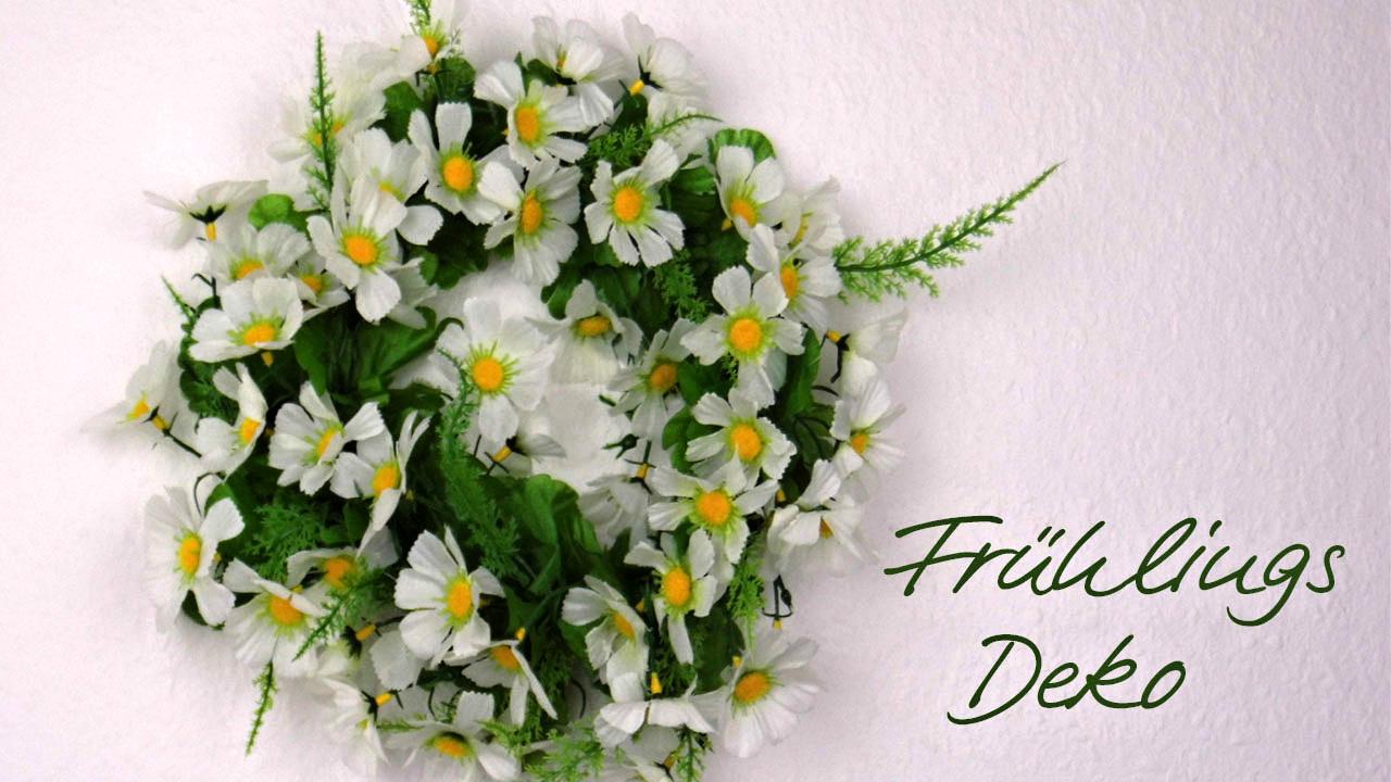 Türkranz mit Seidenblumen für die Frühlingsdeko selber binden