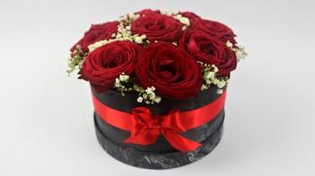 Eine prunkvolle Rosenbox günstig selber machen