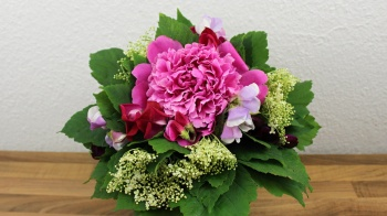 Duft Blumenstrauß mit Gartenblumen binden ❁ Floristik Anleitung