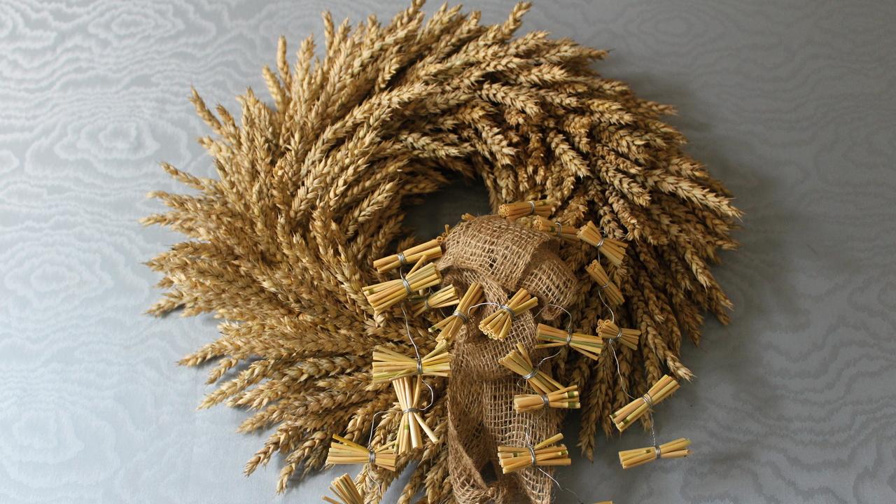 Ein Kranz aus Weizen binden ❁ Deko Ideen mit Flora-Shop
