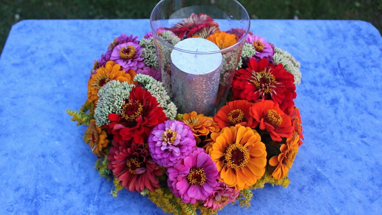 Meine Floristik Anleitung für einen Frischblumenkranz mit Gartenblumen